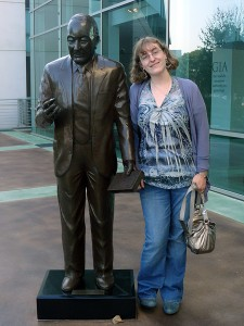 Danielle Rose with Richard Liddicoat statue, GIA Carlsbad campus