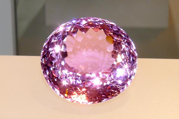 Kunzite, 531 carats, courtesy of GIA