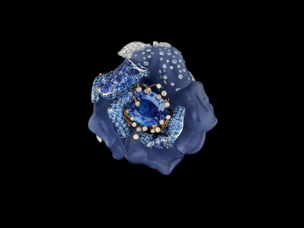 Bal Bleu Nuit ring by Dior Fine Jewelry/Victoire de Castellane