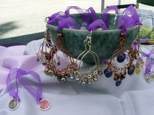 Resin pendants and wirework earrings by Many Faceted