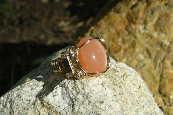 Gold-filled wirework ring with peach moonstone